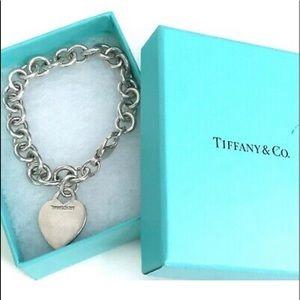 Tiffany & Co. 925 Engraveable Heart Bracelet